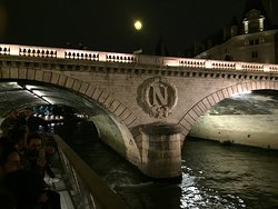 Pont Saint-Michel: Parìs, Francia 2017.