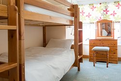 Howgills Apartment 8 - Two single bunk beds bedroom