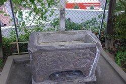 文京区・小日向神社 手水鉢に水は無し