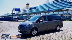 Planejando seu Cruzeiro nessas férias? Nós temos a minivan ideal para sua família ou grupo. Mercedes Vito de 6 lugares com muito espaço e conforto!