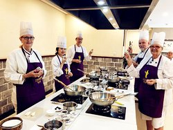 Michael from Astralia Experiencing Cooking Class in Chengdu