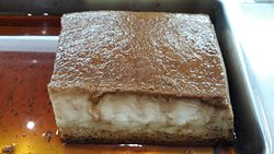 Nuestros postres caseros !pan de calatrava.,flanes de huevo y de queso