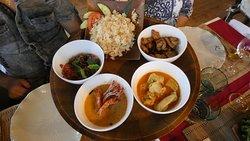Menu Konfusius, assortiments de plats et accompagnements.