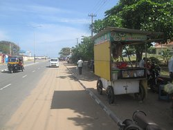 Food Vendors by the road side