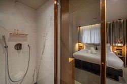 Classic Bedroom Bathroom