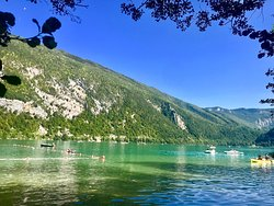 Bello il lago ma accessi solo a pagamento senza bici e senza cani!!!