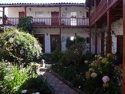 Prachtvoller Innenhof (1)