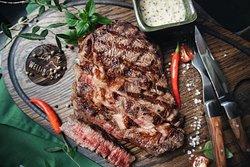 """""""Рибай"""" - аргентинское мясо травяного откорма, подается порцией по 500 грамм, для настоящих ценителей стейка!"""