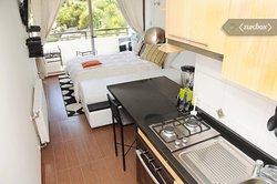 Cocina departamento   estudio  en Reñaca, vista desde la  entrada