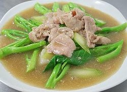 Stir Fried Noodle in Thick Gravy with Pork