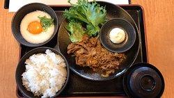 豚ロースすき焼定食 と 牛カルビ焼肉定食、平日無料ソフトクリーム🍦 (2019/08/26)