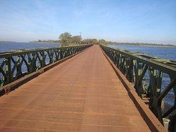 Pont qui mène au sendero