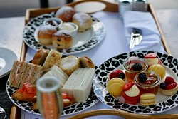 Afternoon Tea with Proscecco