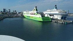 Victoria I arriving in Tallinn