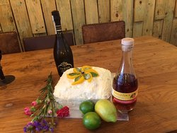 Peach tea liqueur and Prosecco cakes got to be a winner!