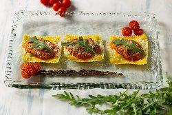 Ravioli, ¿Pesto verde o pesto rojo? Tú decides. Nosotros garantizamos la magia