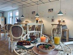 Cafe Bistro chez les Moustiques