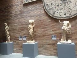 O Museo Nacional de Arte Romano em Mérida é um dos mais completos e mais organizados que conheci e mantém núcleos de estudos e buscas de novas evidências.