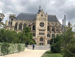 My first view of St. Eustache in Les Halles, Paris