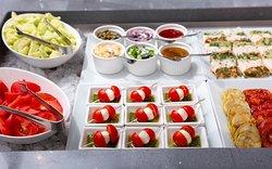 Завтрак в формате шведский стол