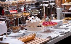 Завтрак и ланч в формате шведский стол