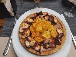 plat de poulpes cuisinés à la galicienne