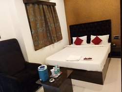 The JK Hotel-Nagpur Railway Station-Deluxe Ac Room