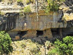 Walnut Canyon Cliff dwellings