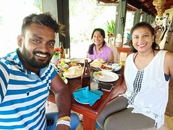 Lunch with Lakmal at Golden Grill Restaurant in Bentota