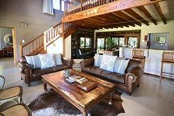 Duminy Cottage (sleeps 9): 2 en-suite bedrms, sleeping loft, full kitchen, living, dining, TV ro