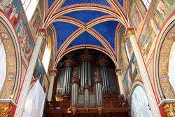 Abbaye de Saint-Germain-des-Prés , voute étoilée et arcs peints