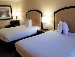 Deluxe bedroom with 2 queen beds