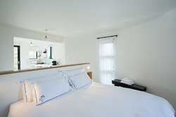 Silo King bed