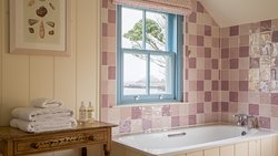 Sea Garden cottage bathroom