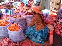 Interessanter als der Hexenmarkt sind die Nachbarstraßen (3)