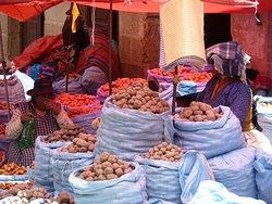 Interessanter als der Hexenmarkt sind die Nachbarstraßen (4)