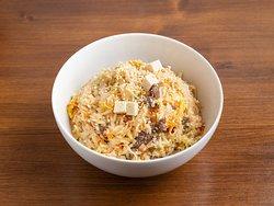 Рис с говядиной и тофу под сладким соусом чили