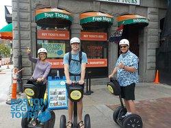 Visiting#Bostonsoon to show your#kidsaround#collegeslike#Harvard,#MIT,#Berkleeor#BU? Let us showcase this great#cityto your#familyon a#Segway#Tour!😎www.bostonsegwaytours.net