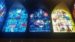 vitraux de Marc Chagall à la synagogoue de l'hopital Hadassa