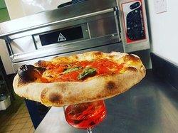 Pizza Napolitana 🍕 Negroni 🍹