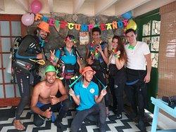 En Atlántida tenemos planes de buceo para celebrar ocasiones especiales, como cumpleaños sorpresa, propuestas de matrimonio y aniversarios