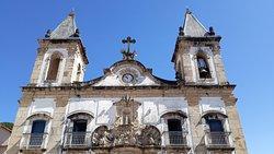 Detalhes da fachada da Igreja Matriz de Nossa Senhora da Conceição
