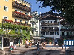 Magical day tour to the Lake District and Hallstatt
