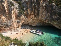 Petruni Bay