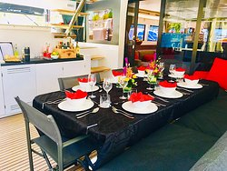 Catamaran Mahasattva serving meals al-fresco!