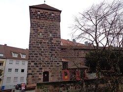 城壁につながるこの塔がミュージアムになっています