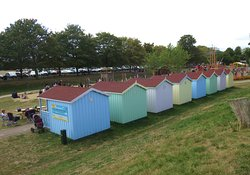 You can hire the little huts for the day, the play area extends right out to the distance with a paddling pool and fountain and also a boating lake, and loads of space to run around. cafes and pubs very near. .