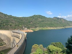 Victoria reservoir dam view point Kandy Sri Lanka