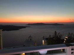 A fantastic evening in a lovely restaurant watching the sunset. Good food and very pleasant service.
