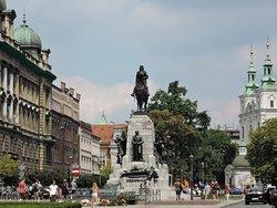 グルンヴァルトの記念碑が建つ広場